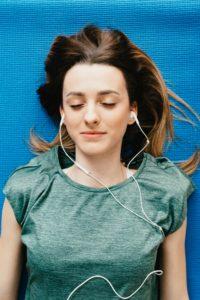 séance à distance écouteurs téléphone online